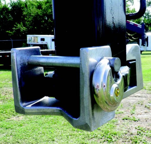 Blaylock TL55 Gooseneck Coupler Lock - Click Image to Close